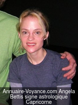 Angela Bettis Capricorne