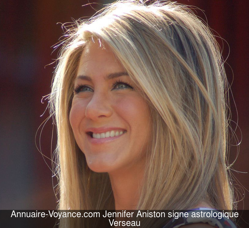 Jennifer Aniston Verseau
